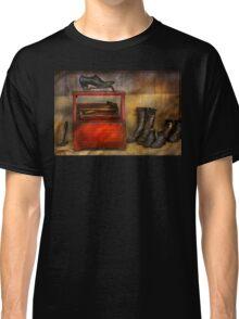 Cobbler - Life of the cobbler Classic T-Shirt