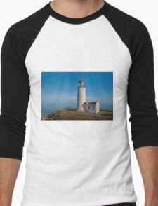 North Head Lighthouse Overlooking the Pacific Ocean Men's Baseball ¾ T-Shirt