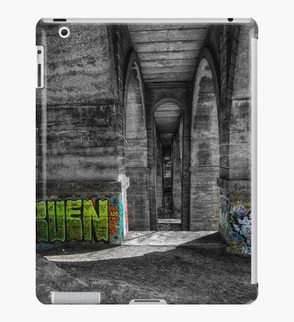 Henry Avenue Bridge iPad Case/Skin