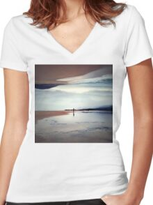 Ghost on the Shore Women's Fitted V-Neck T-Shirt