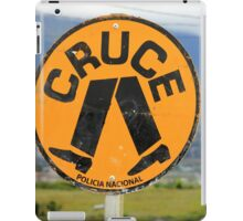 Spanish Crosswalk Sign iPad Case/Skin