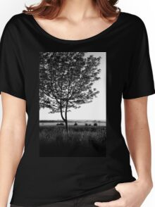 Blackwhite tree Women's Relaxed Fit T-Shirt