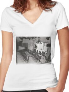Studio Review Women's Fitted V-Neck T-Shirt