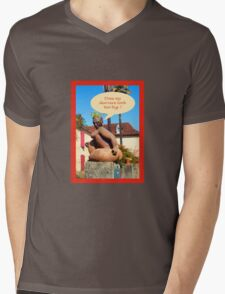 "Sculpture in France ""does my derriere look too big ? Mens V-Neck T-Shirt"