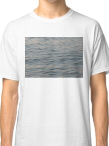 Chill waves Classic T-Shirt