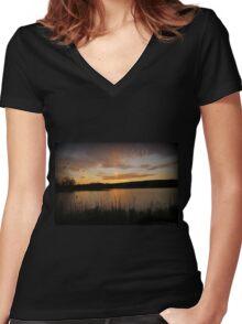 Minsi March Sunset Women's Fitted V-Neck T-Shirt