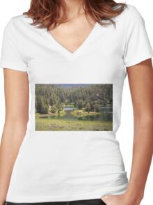 Cabin On The Lake Women's Fitted V-Neck T-Shirt