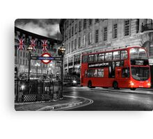 London: Red Double-Decker Canvas Print
