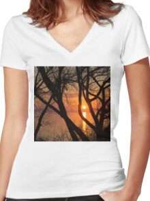 Sunrise Through the Willows - Lake Ontario, Toronto, Canada  Women's Fitted V-Neck T-Shirt
