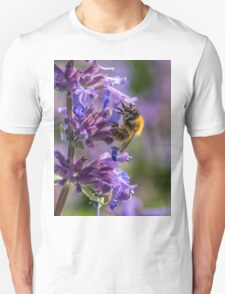 Bumblebee Collecting Nectar  Unisex T-Shirt