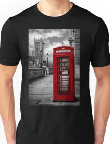 London: Red Phone Booth Unisex T-Shirt