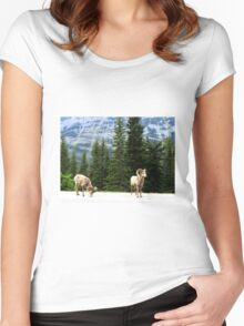 Mountain goats Women's Fitted Scoop T-Shirt