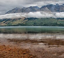 New Zealand - land of the long white cloud by Chris Brunton