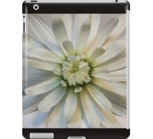 White Daisy theme for gifts and decoration iPad Case/Skin