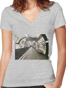 Gloucester Road Underground Women's Fitted V-Neck T-Shirt