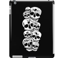 Black white paint splatter skulls design iPad Case/Skin