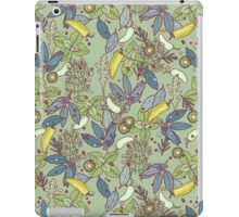 go green in spring! iPad Case/Skin