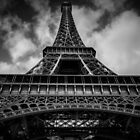 Eiffel Tower by kamyarbaghvand