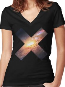 Amazing Spiral Galazy [Messier 106]   Fresh Universe Women's Fitted V-Neck T-Shirt