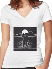 full moon romance love couple Women's Fitted V-Neck T-Shirt