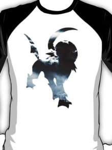 Absol used Feint Attack T-Shirt