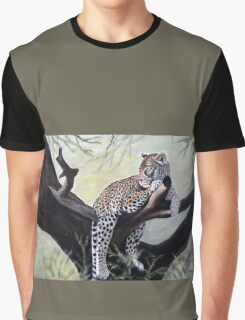 Leopard relaxed on a tree designs Graphic T-Shirt