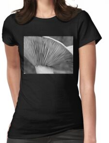Saffron gills (black/white) Womens Fitted T-Shirt