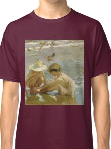 Joaquin Sorolla Y Bastida - The Wounded Foot 1909. Child portrait: cute baby, kid, children, Sea views, child, kids, lovely family, boys and girls, boy and girl, sea, childhood Classic T-Shirt