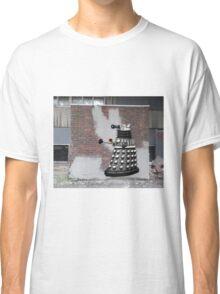 Dalek Graffiti - Banksy Style Classic T-Shirt