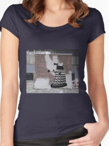 Dalek Graffiti - Banksy Style Women's Fitted Scoop T-Shirt