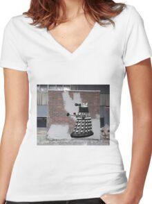 Dalek Graffiti - Banksy Style Women's Fitted V-Neck T-Shirt