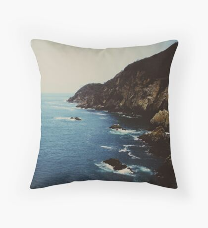 La Quebrada  Throw Pillow