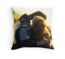 Bagginshield Throw Pillow