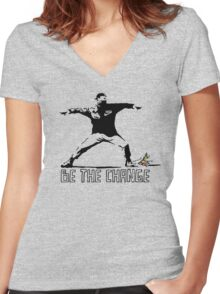 Be the change Women's Fitted V-Neck T-Shirt