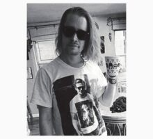 Your move Ryan...  Macaulay Culkin sports T-shirt showing Ryan Gosling... wearing top with Home Alone star's face by erikaandmonty