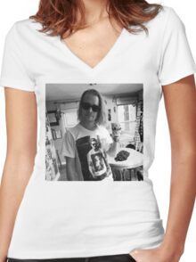 Macaulay Gosling - t-shirt of Macaulay Culkin wearing a t-shirt of Ryan Gosling wearing a t-shirt of Macaulay Culkin Women's Fitted V-Neck T-Shirt