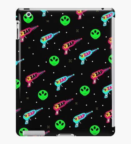 Alien Zap iPad Case/Skin