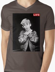 Macaulay Culkin Life Tshirt Mens V-Neck T-Shirt