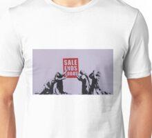 Banksy 'sale ends today' graffiti art. Unisex T-Shirt