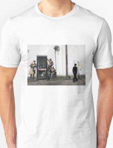 Banksy 'spybooth' graffiti art Unisex T-Shirt