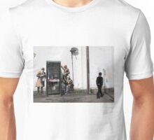 Banksy 'spybooth' graffiti art Unisex T-Shirt