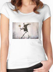 Banksy 'flower thrower' graffiti art. Women's Fitted Scoop T-Shirt