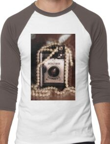 Vintage Camera & Pearls Men's Baseball ¾ T-Shirt