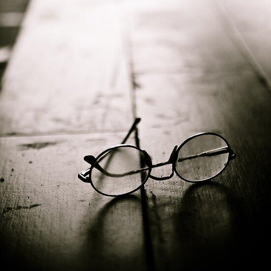 light in glasses by Victor Bezrukov