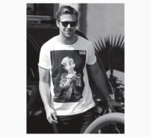 Ryan Gosling wearing Macaulay Culkin  shirt shirt by ruinedchildhood