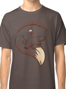 The fox is sleeping Classic T-Shirt