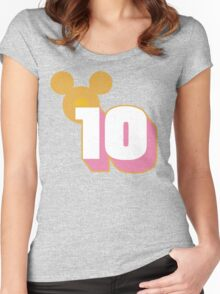 10 Things to Know Before You Go Women's Fitted Scoop T-Shirt