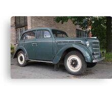 Vintage car Moskvich-400 Canvas Print