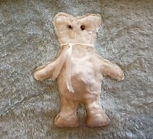 Shabby Teddy by MHen