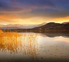 Scirocco clouds over Wörthersee by Delfino